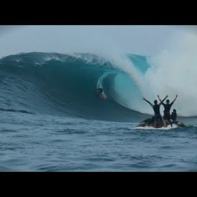 video: Paddle in Big Wave Surf Competition - Red Bull JAWS by dr-drake
