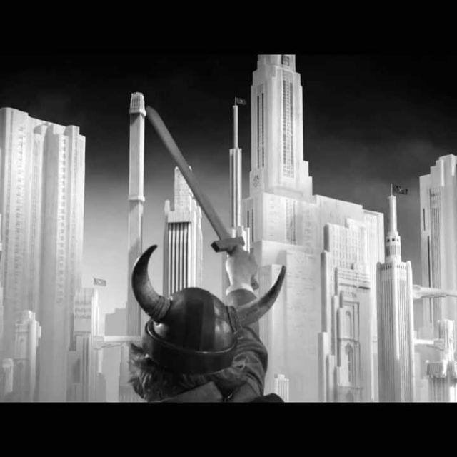 video: Woodkid - Run Boy Run by ninaestaenblanco