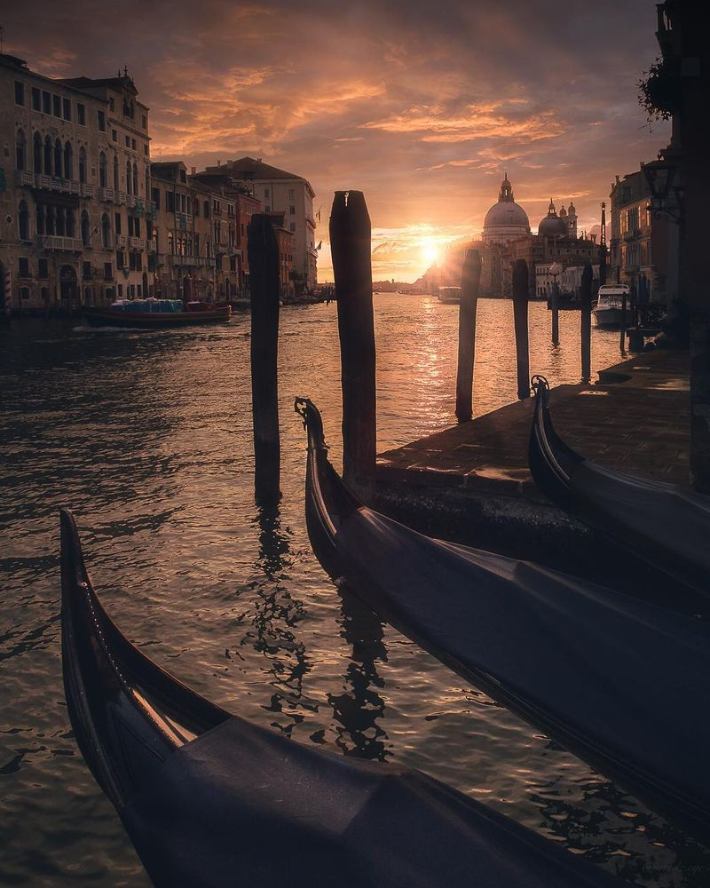 image: First Light in Venice by mindzeye