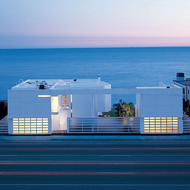 image: R. Meier Beach House by tatiana