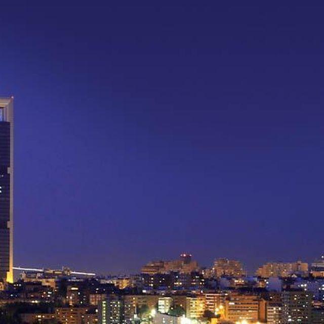 image: Madrid's Skyline by gt28