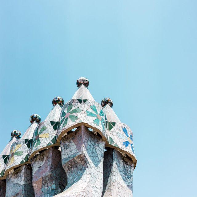 image: Tres horas en Barcelona, dos y media de reunión y treinta minutos para visitar Casa Batlló ✌️? by misswinter