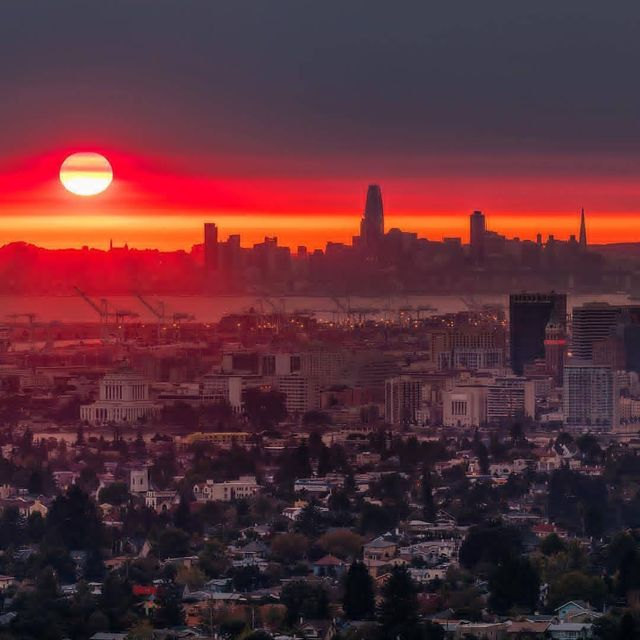 image: Life and Sunsets...? Wanna be a @sunsertsuperstar ? Follow, like and tag #sunsetsuperstar??Inspired by: @sunset_stream??↴? Visit our featured artist: @gettyphotography? San Francisco,...★➡️ Selected by:➡️ @semicolin_★↔️ Follow @sunset by sunsetsuperstar