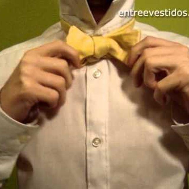 video: Hacer el nudo de una pajarita: paso a paso by mariosanchezjimenez