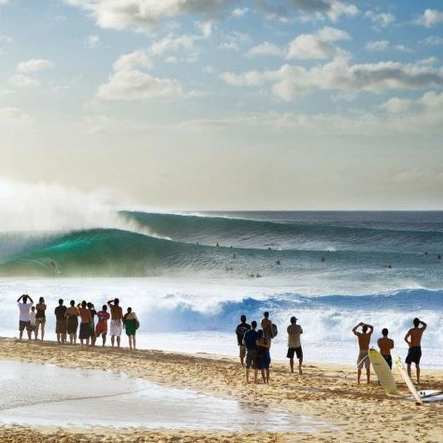 image: Pipeline, Hawaii by gt28