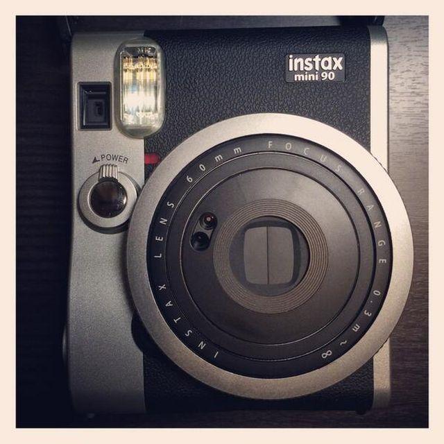 image: Fuji Instax Mini by rairobledo