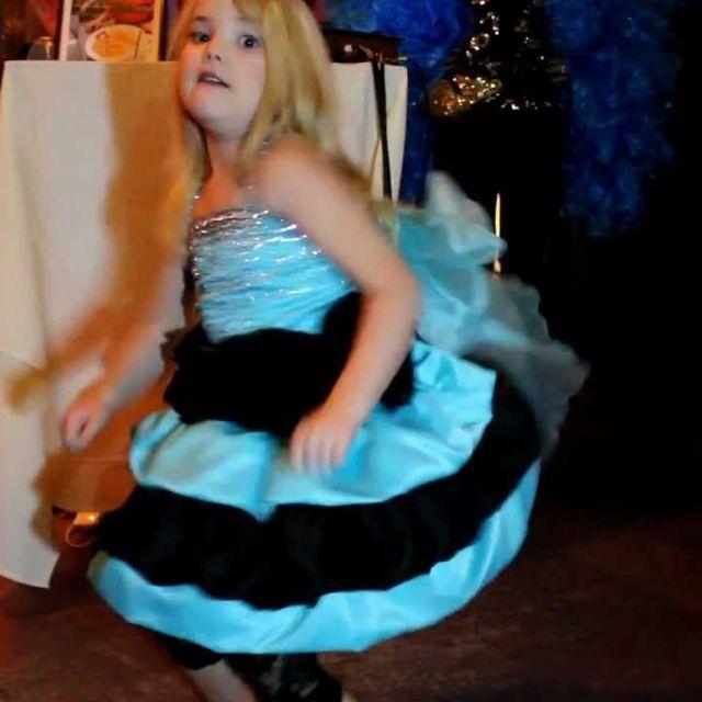 video: Eden Wood dancing - by nuriaperea