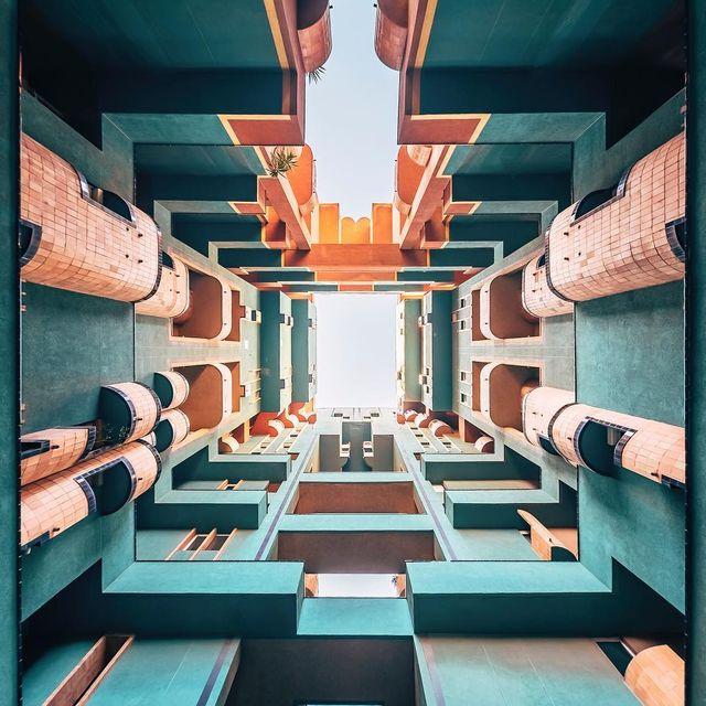 image: Ancient future | Futuro antiguo  by nicanorgarcia