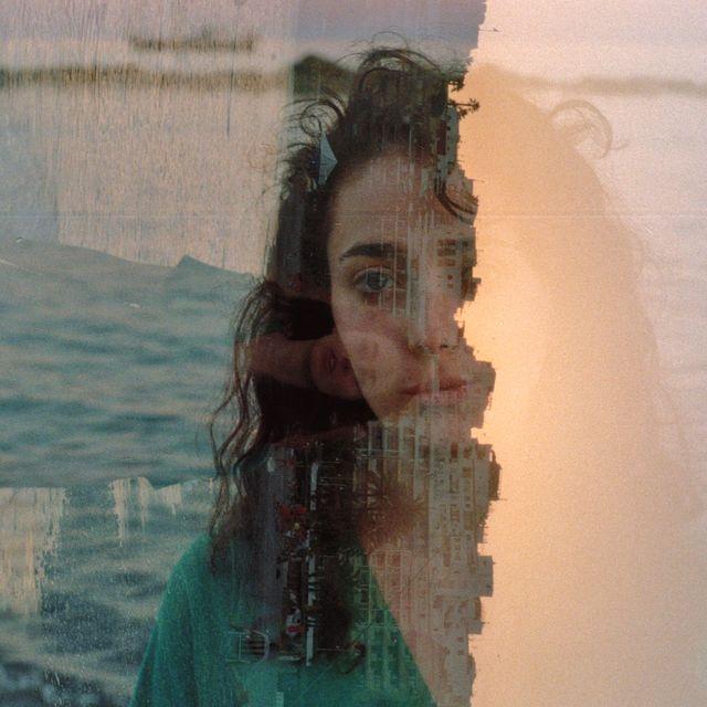 image: tide's girl by alejandronieto