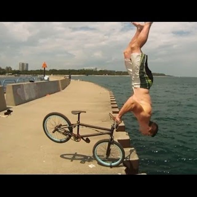 video: Parkour BMX Bike Stunts - Tim Knoll - by alberto_moya