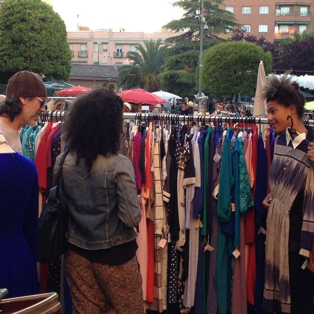 image: La ropa de segunda mano MOLA by mercadodmotores