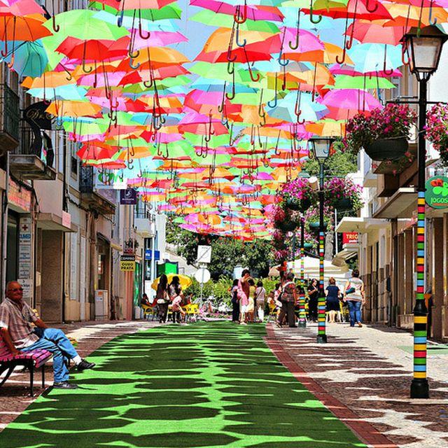 image: umbrellas by andreagenova
