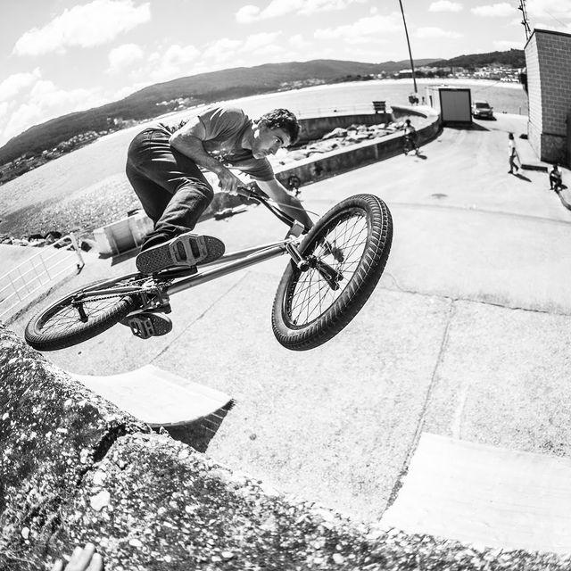 video: BMX - Fly Bikes Coastin Part 2 by sergiolayos