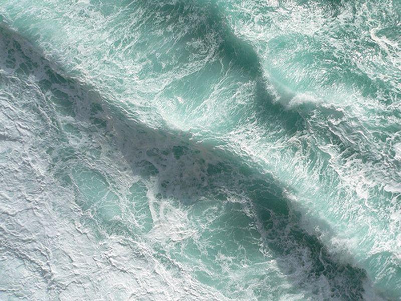 image: Sea by Luciernaga