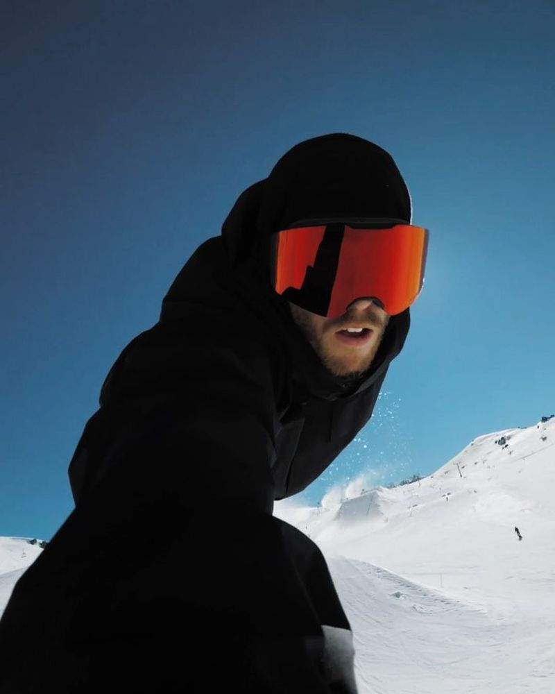 image: WHaT GoES ON iNsiDE mY HEaD WHiLe SnOWbOArDiNG ?? by stalesandbech