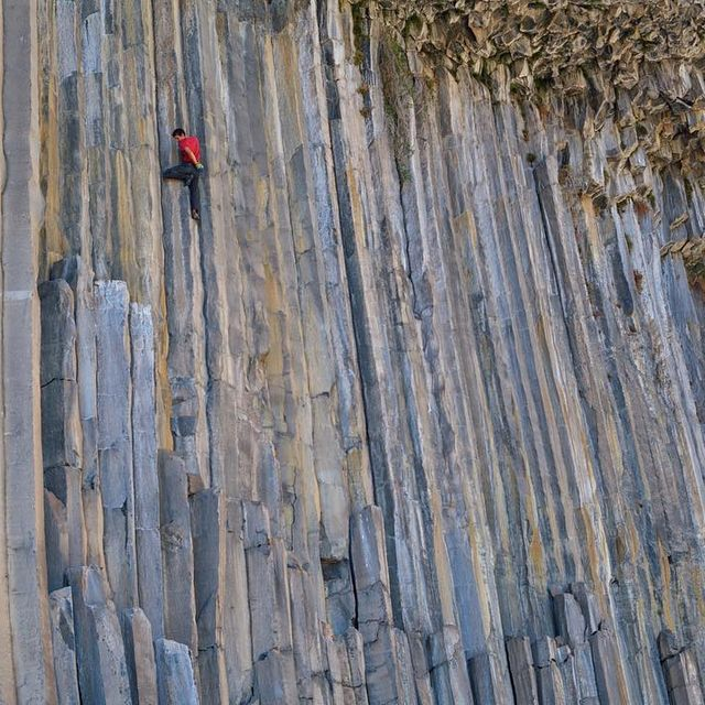 image: Columns on columns! A little shot I took two days ago at the absolutely wild Valle de los Condores of @alexhonnold on his first ever free solo!  He might get good at this if he sticks with it!  Big thanks to @thenorthfacechile and @thenorthface for... by cedarwright