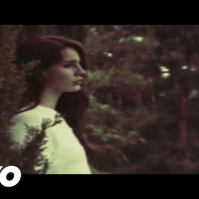 video: Lana Del Rey - Summertime Sadness by brackets