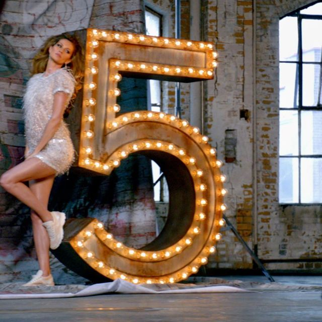 video: CHANEL N°5: The One That I Want - The Film by iree