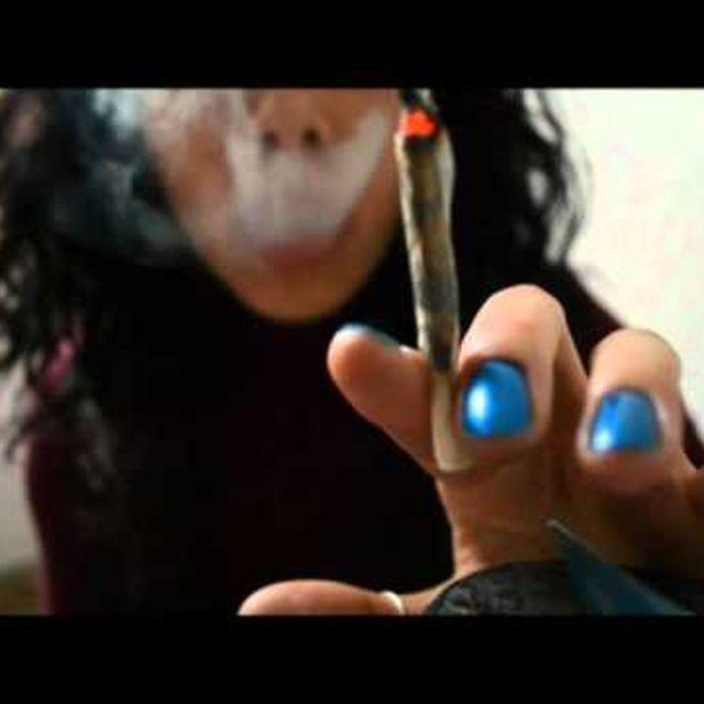 video: Smoking Mona Lisa by anaminum