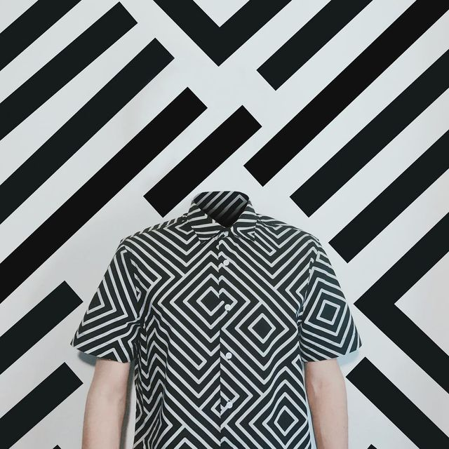image: #LoosingMyMind.~ STRIPES & SHAPES 1/2.How would you look without your head?..Thanks Domingo @domingoxlatarde [ MÉXICO ?? ] for being inspired me with this picture and Thanks for be part of this headless project #pepedsgn by pepedsgn