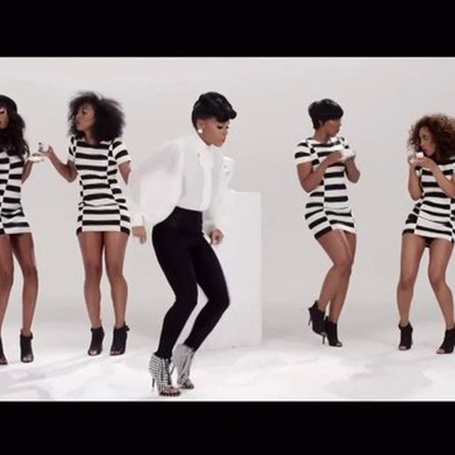 video: Q.U.E.E.N. - Janelle Monae feat. Erykah Badu by paubacardit