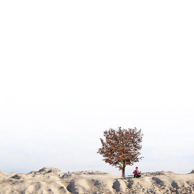image: Aum... -----#minimalmood#ig_catalonia#rsa_minimal#uoonyou#lesphotographes#cerealmag#primerolacomunidad#fotoline_es#transfer_visions#igrecommend#ig_photostars#minimalha#kinfolk#ig_masterpiece#darlingmovement#clikcat#hallazgosemanal#unlimitedminimal #mi by mercemillan