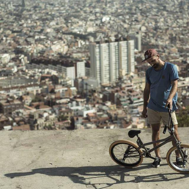 image: Missing the summer!?@migueltardiobmx #flatland #bmx#bmxbcn#bcn#bike#bicycle by moya_flat