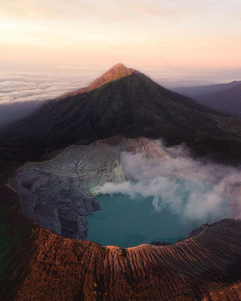 image: Climbing  Ljen Crater by josiahwg