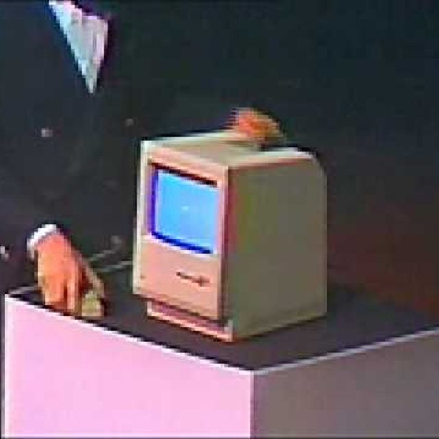 video: Young Steve Jobs introduces Macintosh in 1984 by jorge_lana
