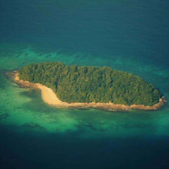 video: Malaysia: island life on Vimeo by triprebel