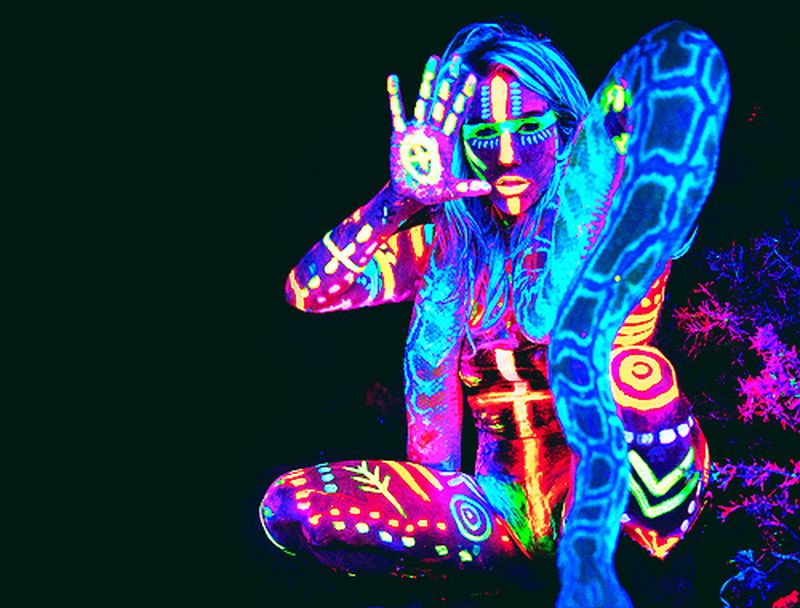image: NEON BODY PAINTING by karmensia