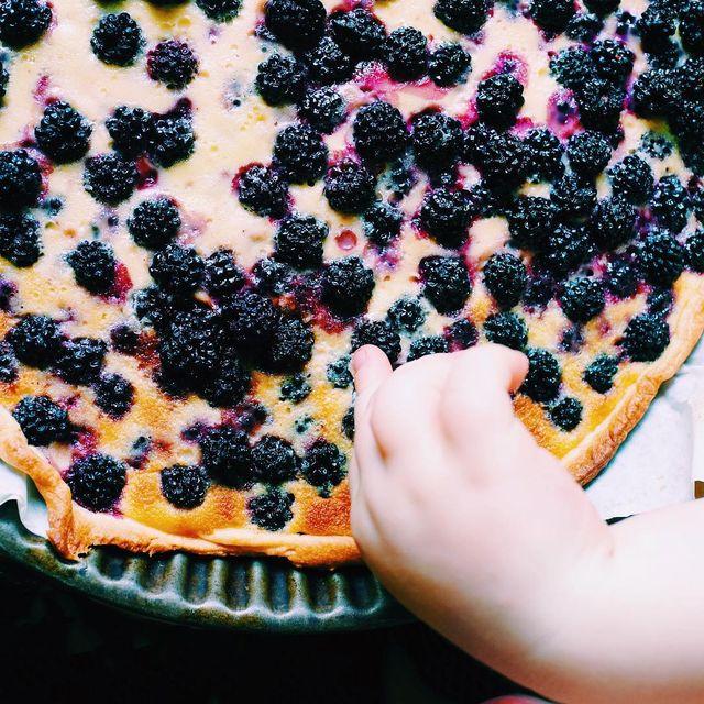 image: La tarte des minus est au top ? (y'a même leur recette en story)#tartedesjourspluvieux #blackberries #summervibes by jveuxetrebonne
