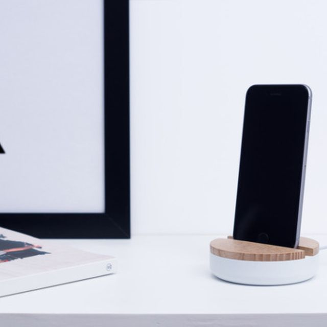 image: iPhone Dock by goodquiche