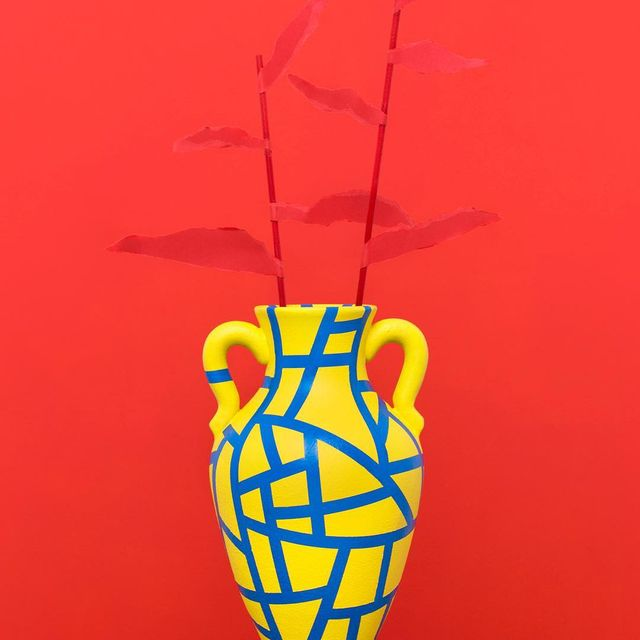 image: Reuse, reduce and recycle ? #mireiaysuscosas #tardesentretenidas -#vase #colormadefrombarcelona #cocolia #handpainted #mireiaruiz #cocoliastudio #colormadefrombarcelona  #barcelona #recycled #reusedandrecycled by mireiaysuscosas