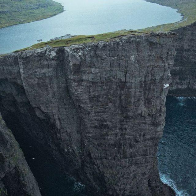 image: lake sørvágsvatn, faroe islands by collectingwonder