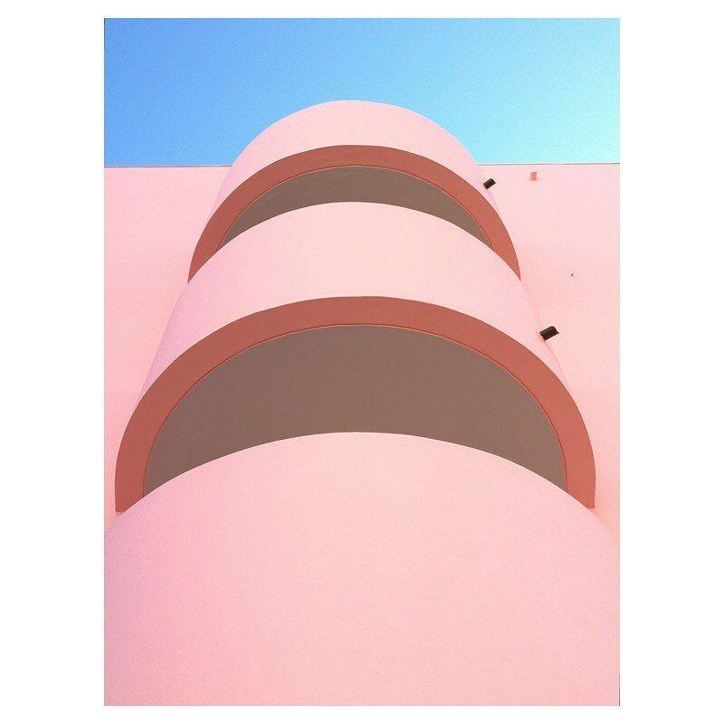 image: Voici ma contribution pour le nouveau concours photo #HuaweiShot sur le thème «Building»  organisé par @huaweimobilefr. Vous avez un mois pour poster vos plus belles photos prises avec un smartphone Huawei avec les hashtags #HuaweiShot et #Building ... by matthieuvenot