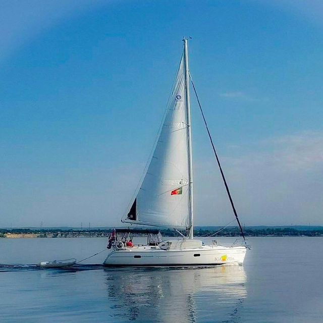 image: Boa Vida making a mad dash to the 1000 islands this summer ?.? sent to us by @porkchopsailor by sailing_boats