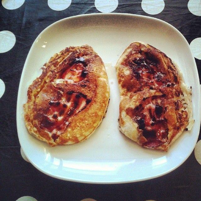 image: bacon pancakes by tommyookikuma