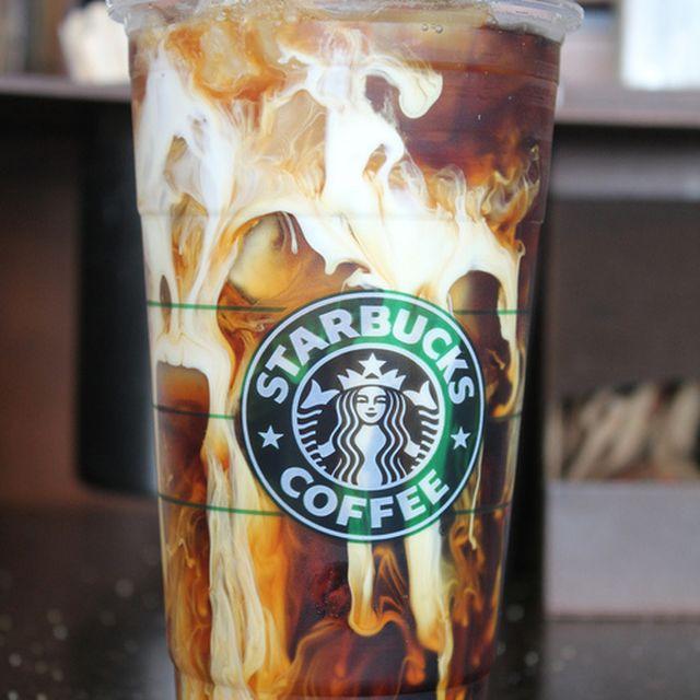 image: Starbucks time! by javierbazan_