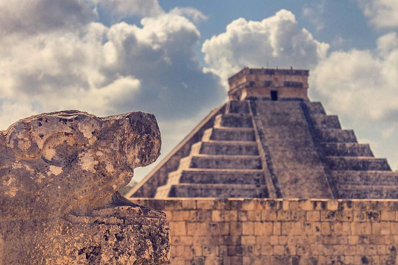 image: Love this magic place, full of awesome history and mayan culture!.....#chichenitza #yucatan #pasionxmexico #mexicotravel #mexicoinmypocket #mexicodesconocido #architecturephotography #ig_mexico #ig_travel #travel #travelgram #travelawesome #beautiful by majolophoto