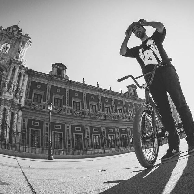 image: Filming before Motivation 3 with @marmophoto few weeks ago!#flatland #bmx#igibmx#igimafia #flatlandbmx #bike#bicycle #sevilla by moya_flat