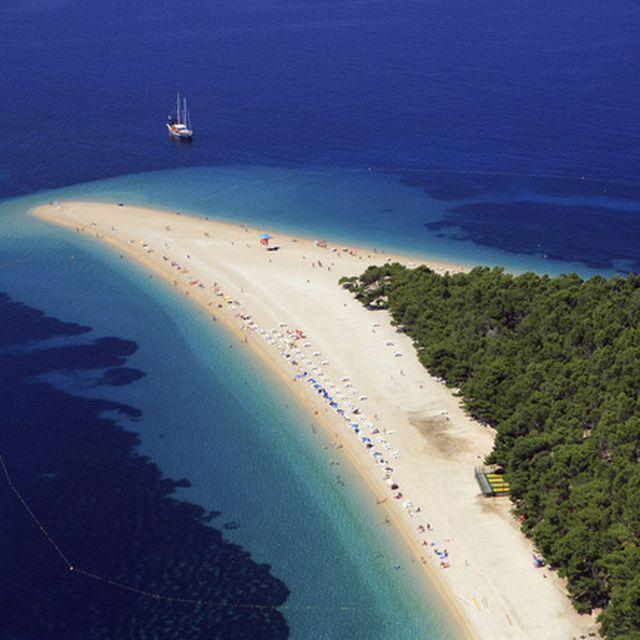 image: isla de brac - croacia by hamilton