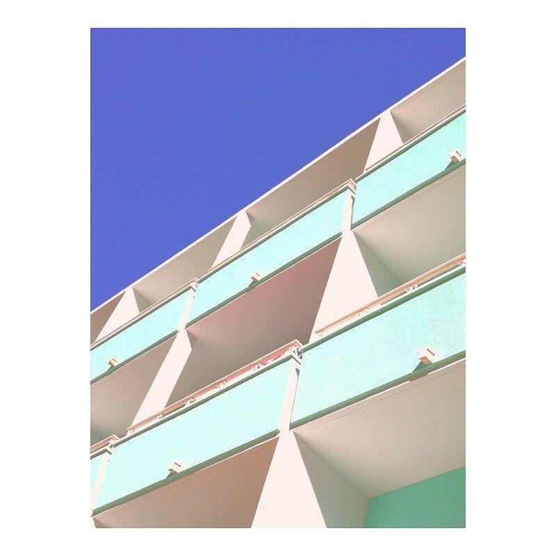 image: Dernier jour pour le concours photo #HuaweiShot sur le thème «Building»  organisé par @huaweimobilefr. Il faut juste poster vos plus belles photos prises avec un smartphone Huawei avec les hashtags #HuaweiShot et #Building Les plus belles photos... by matthieuvenot