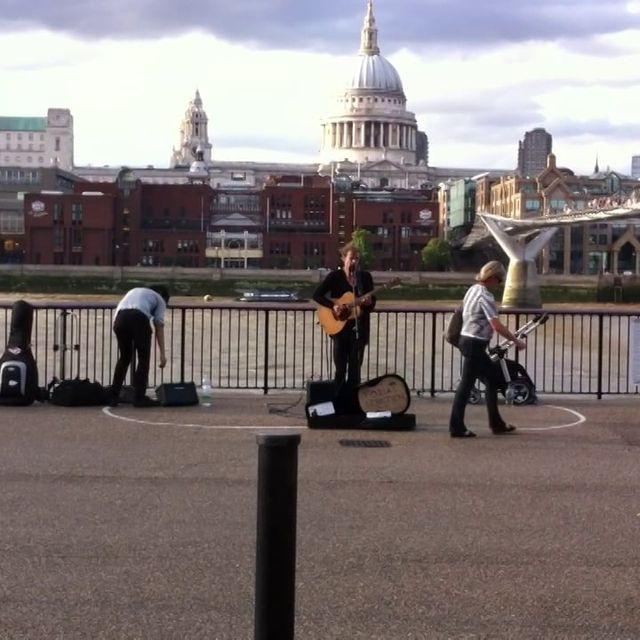 video: STREET MUSIC by emewarp