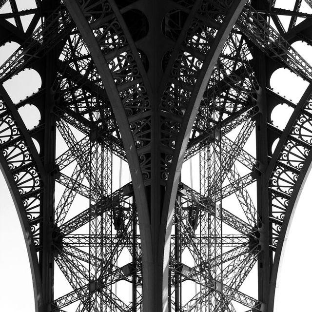 image: Torre Eiffel by gabriel-lisboa-9