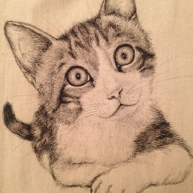 image: Kitten drawn on a tote bag by marta_brandariz