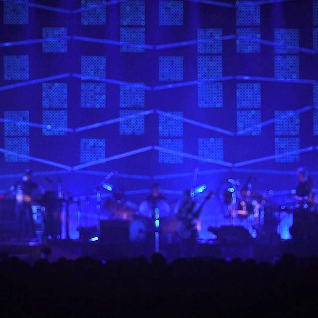 video: Atoms For Peace - Rabbit In Your Headlights (live) by scatterbrainer