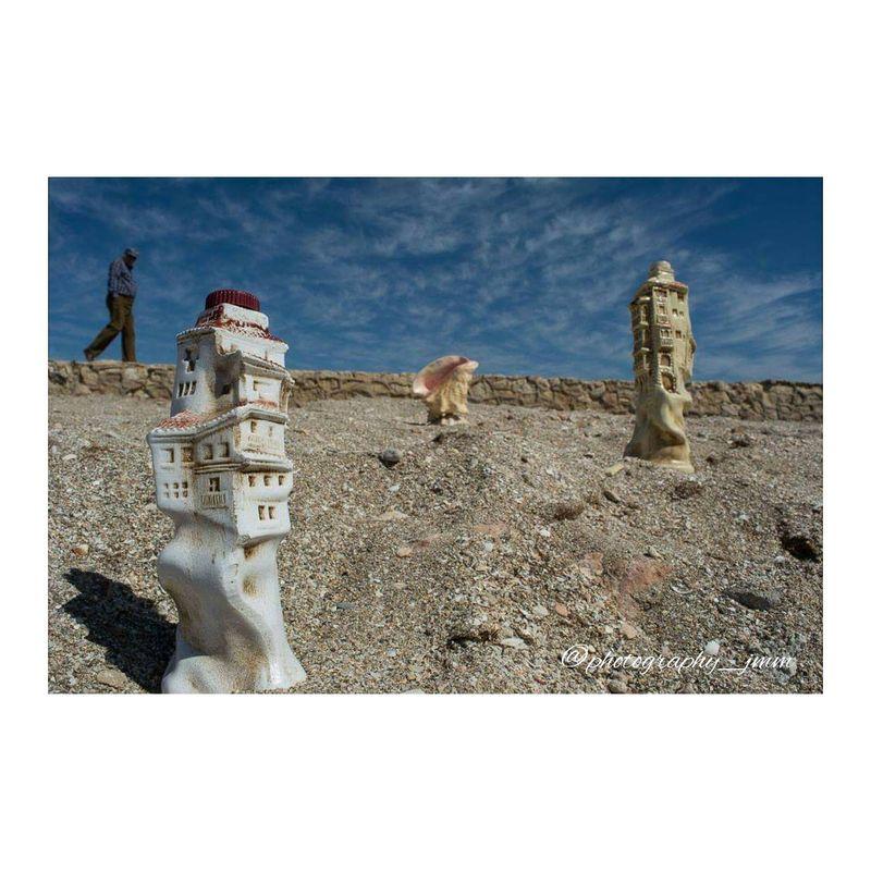 image: Botellas en la arena by photography_jmm