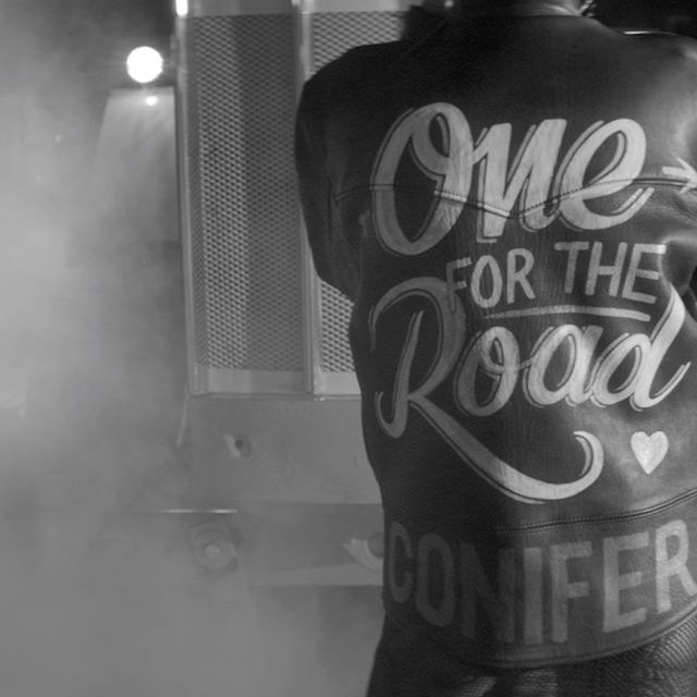 video: Arctic Monkeys - One For The Road by travis