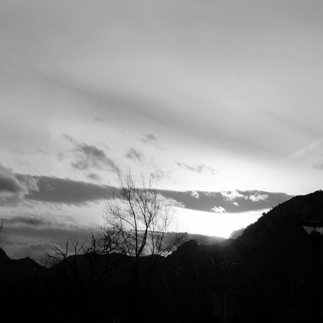 image: empty sky by alpolvolunar